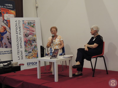 Presentando con Graziana Canova Tura il suo libro all'edizione 2015 del festival Japan SunDays. Milano, 7 giugno 2015.